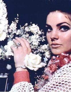 Priscilla-Presley-Engagement-Ring