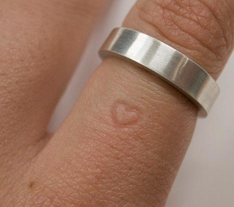 heart-finger-ring