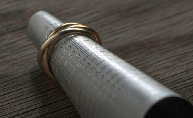 marrying-ring-stick-business-card-designed-by-jung-von-matt-alster_4
