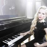 Avril Lavigne's 14 Carat Pear Shaped Diamond Ring