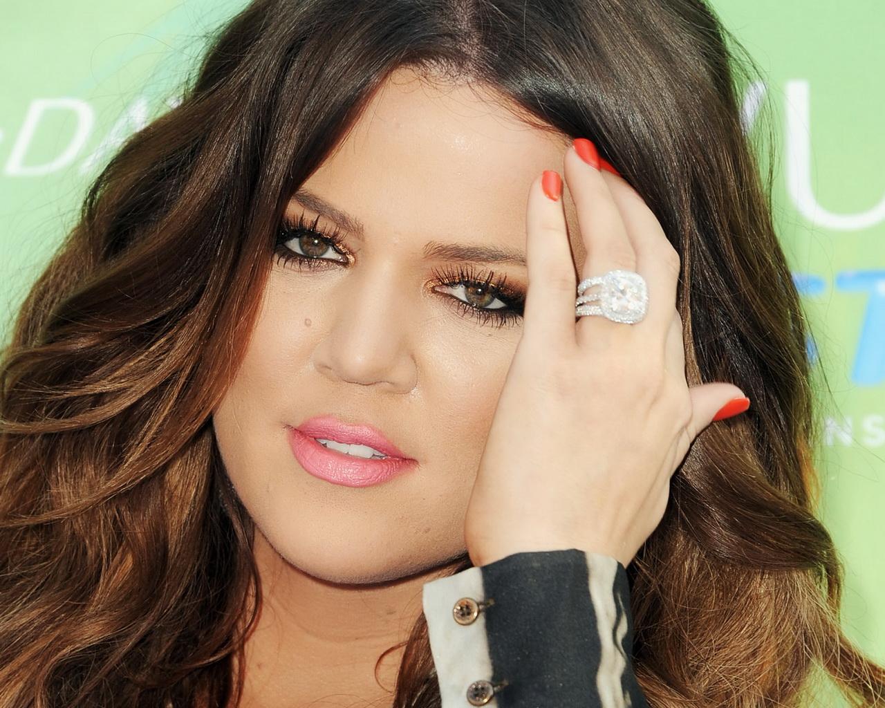 khloe-kardashian-diamond-ring-5