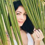 Natalie Glebova's Oval Cut Sapphire Ring
